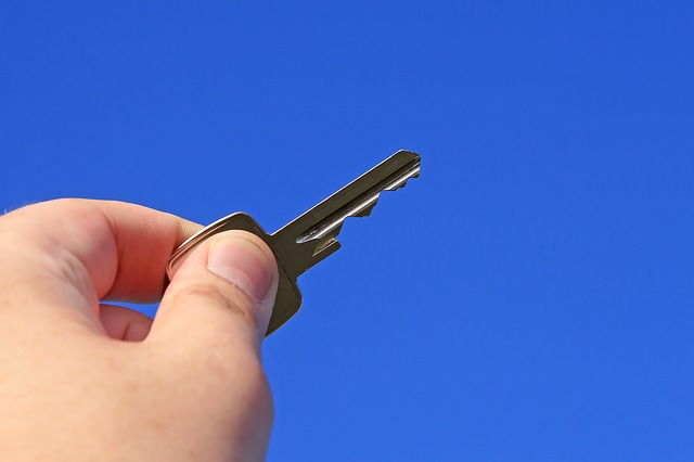 Should I Take the First Offer I Get Flipping a Property to My Buyers?